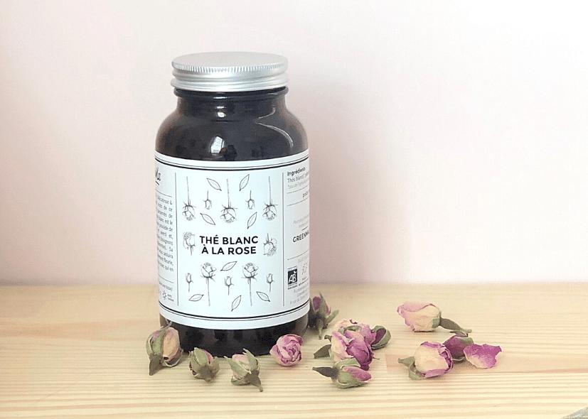 thé blanc à la rose